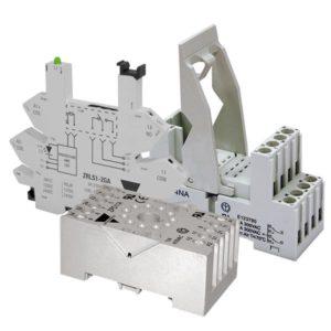 Sokler for pluggbare hjelperelèer og elektromekaniske relèer