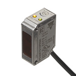 Fotocelle i rektangulært hus. Rustfritt stål utførelse. Bakgrunnsavblendet. 20 cm rekkevidde. NPN. NO/NC. 2m kabel. 10-30VDC forsyningsspenning.